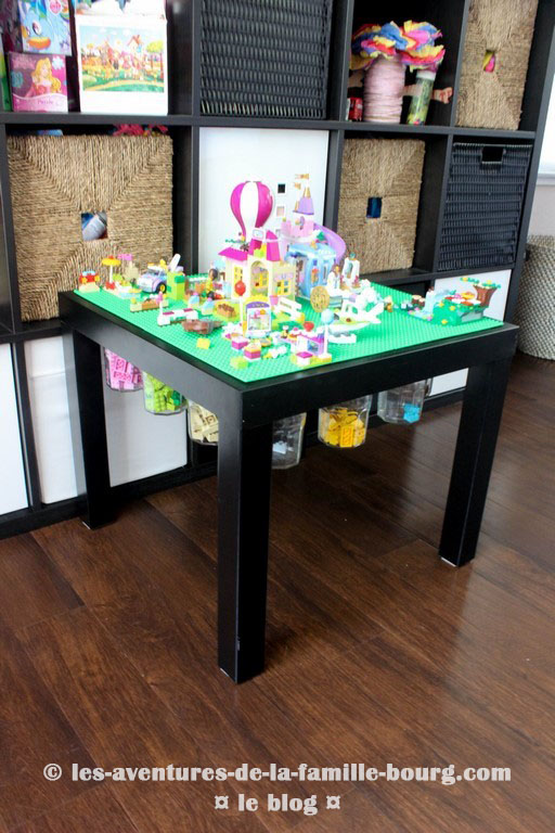 diy une table de lego ikea avec espaces de stockage. Black Bedroom Furniture Sets. Home Design Ideas
