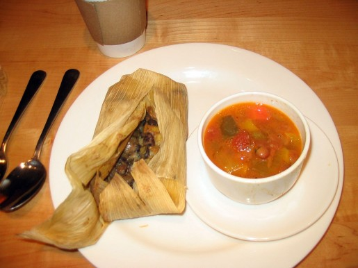 1280px-Tamale_lunch_at_the_National_Museum_of_the_American_Indian
